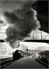 img_Gare-Saint-Lazare--Paris--1958_Edouard-BOUBAT_ref~KN674_mode~zoom.jpg
