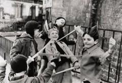 edouard_boubat_jeux_denfants_1952_d5374540h.jpg